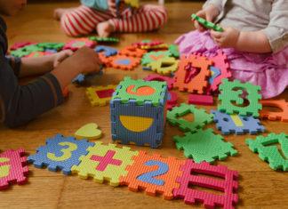 Dlaczego warto podarować dziecku zabawki edukacyjne?