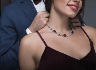 Jak dobrać biżuterię do dekoltu